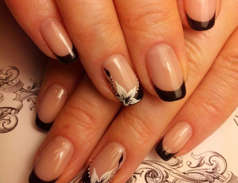 Трещины на ногтях